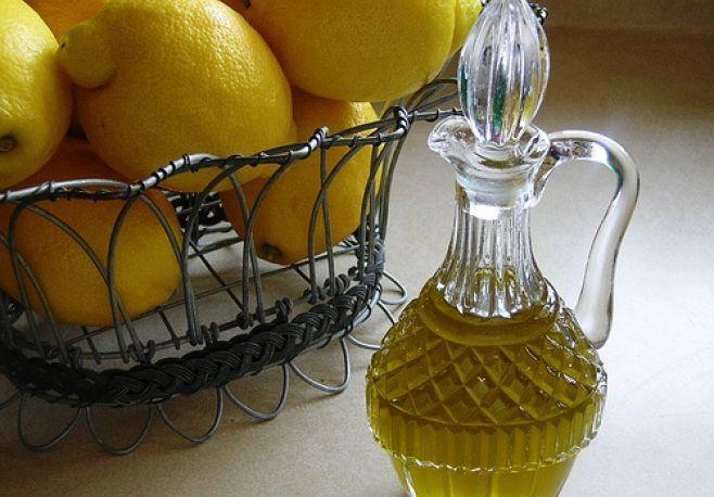 Как сделать лимонное масло?