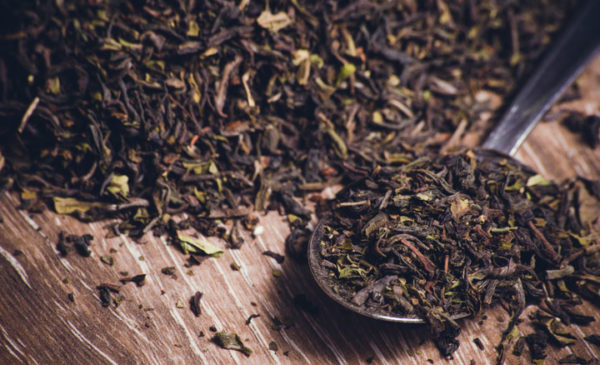 black tea leafs