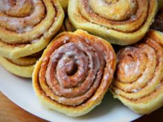 Cinnabon Roll