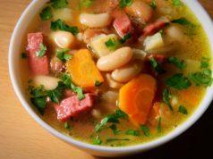 Суп с колбасой и фасолью по-польски